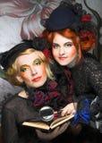 Señoras elegantes Foto de archivo