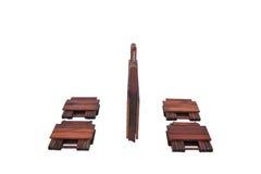 Se aísla del guardarropa de madera en el fondo blanco el almacenamiento interior la vida del diseño del sitio del objeto de los m Imagen de archivo
