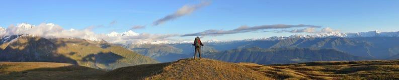 Se balader dans les montagnes Photo libre de droits
