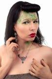 Se demander de boucle d'oreille et de collier d'Art nouveau de femme Photo libre de droits