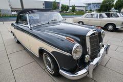 Se di Mercedes Oldtimer 220 concertible Fotografia Stock