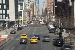 Se diriger du trafic de New York City de la ville haute Images stock