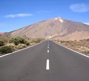 Se diriger pour le volcan Image stock