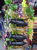 Se embotella el vino Foto de archivo libre de regalías