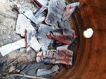 Se extingue el carbón de leña Imagen de archivo