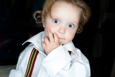 se för flicka för kamera nyfiket Royaltyfri Fotografi