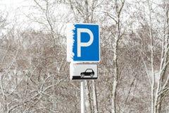 Se garer signent en hiver photo libre de droits