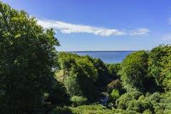 Se Helsingor från Helsingborg royaltyfri foto
