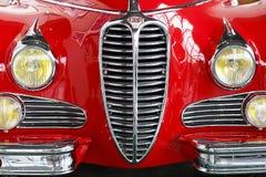 Se?l - 03 18 2019: Una vista delantera del primer retro rojo del coche fotografía de archivo libre de regalías