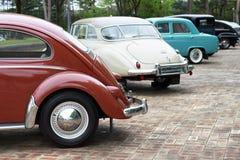 Se?l - 03 18 2019: Vista lateral de los coches retros cl?sicos, fondo del vintage foto de archivo libre de regalías