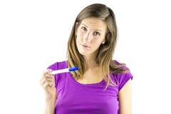 Se ledset på den negativa graviditetstestet Arkivfoto