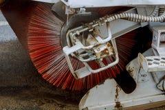 Se limpia la calle limpieza de la máquina del barrendero Fotografía de archivo libre de regalías