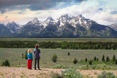 Se in mot bergen Arkivfoto