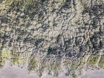 Se ner på kust- sanddyn Flyg- bild Royaltyfri Bild