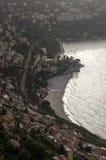 Se ner på Roquebrune-Lock-svala Royaltyfri Bild
