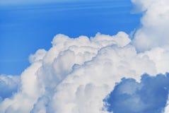 Se nubla el cielo azul Imagen de archivo libre de regalías