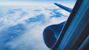 Se nubla el surfin Imagen de archivo libre de regalías