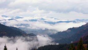 Se nubla lapso de tiempo Paisaje de la montaña Calentamiento del planeta 1920x1080 almacen de metraje de vídeo