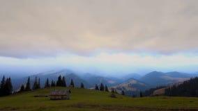 Se nubla lapso de tiempo Paisaje de la montaña Calentamiento del planeta 1920x1080 almacen de video