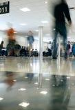 Se précipiter de gens de concours d'aéroport Photographie stock libre de droits