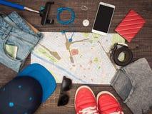 Se préparant au voyage en Italie, des choses sont présentées sur la table Photographie stock libre de droits
