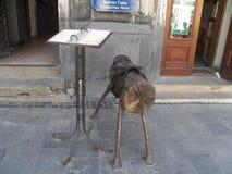 Se réunir au café de Lviv Attractions de Lviv image libre de droits