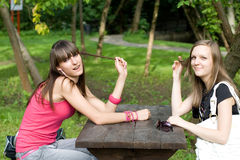 Se réunir de deux femelles Photographie stock libre de droits