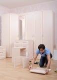 Se rassemble d'un ensemble de meubles Photographie stock libre de droits