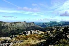 Se södra från Allen Crag royaltyfria foton