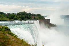 Se södra på Niagara Falls royaltyfri fotografi