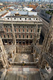 Se staden i Duomodi Milano, Italien Arkivfoton