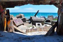 Se till och med vågbrytaren: Fremantle västra Australien Arkivfoto