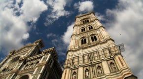 Se upp på Florence Cathedral Royaltyfria Foton