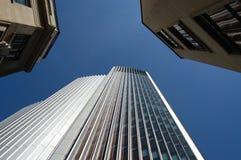 Se upp på tre byggnader Royaltyfri Fotografi