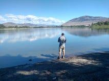 Se ut över floden fotografering för bildbyråer
