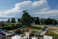 Se ut mitt hotell i Evian fotografering för bildbyråer