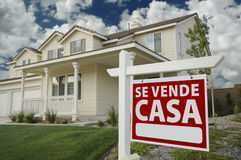 Se Vende Casa Spanish Real Estate Sign and House stock photos