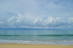 Sea beach with waves and Clouds Royalty Free Stock Photos