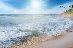 Sea, blue sky and sun Royalty Free Stock Photos