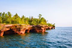 Sea caves of the Devil& x27;s Island in Apostle Islands of the Lake Superior royalty free stock photos