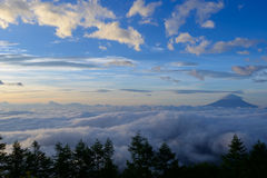 Sea of Clouds and the Mt. Fuji Royalty Free Stock Photos