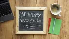 Sea feliz y sonrisa Foto de archivo