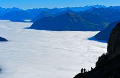 Sea of fog over Lake Lucerne. Alpnachstad, Schweiz Royalty Free Stock Images
