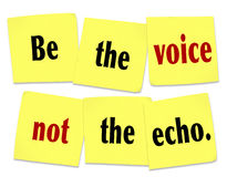 Sea la voz no Echo Sticky Note Saying Quote Fotos de archivo libres de regalías