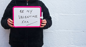 Sea mi petición de la tarjeta del día de San Valentín Fotos de archivo