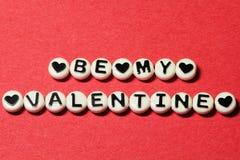 Sea mi tarjeta del día de San Valentín en rojo Imagen de archivo