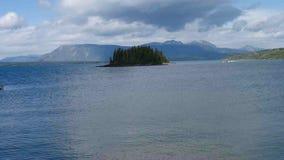 Sea-plane die van meeratlin opstijgen stock videobeelden