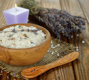 Sea salt with lavender in a wooden bowl Royalty Free Stock Photos