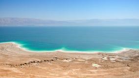 Sea See mit Salzwasser und heilendem Schlamm stützt Strände unter Stockbild