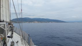 Voyage en mer sur un voilier Français stock photos
